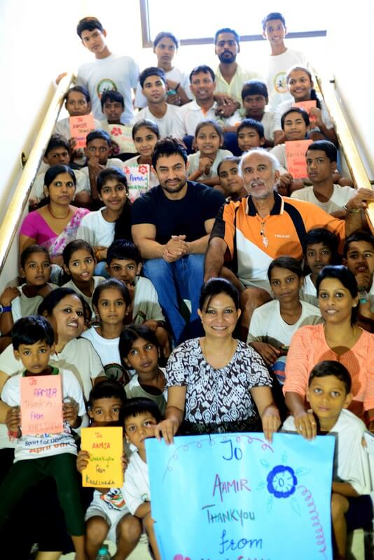 Khelshala kids meet Aamir Khan